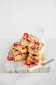 Stack of strawberry and crumble sponge