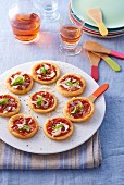 Mini pizzas (party foods)