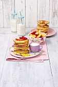 Pancakes with nectarines