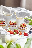 Strawberry and fig cupcakes (vegan)