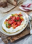 Labneh-Ricotta-Dip mit Tomaten und Kräutern