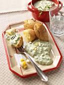 Grüne Sauce mit Ei und Pellkartoffeln