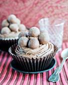 Cupcakes with chocolate pralines