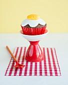 Cupcake mit Fondant-Spiegelei