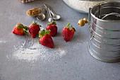 Backzutaten: Erdbeeren, Mehl und Zimt