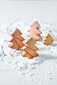 Filled gingerbread tree biscuits