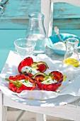 Gegrillte Paprika mit Frischkäsefüllung