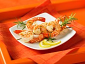 Shrimp and rosemary kebabs with lemon