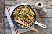 Mince stir fry with leeks and carrots