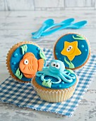 Cupcakes with fondant marine animals