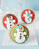 Christmas cupcakes with fondant snowmen