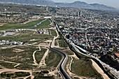 US-Mexico border fence, San Diego