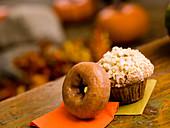 Kürbis-Donut und Muffin