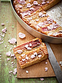 Rhubarb and marzipan cake with meringue