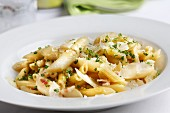 Penne with asparagus, bacon and cheese