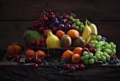 A fruit bowl full of fruit
