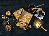 How to make almond and chocolate toffee
