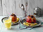 Kurkuma-Bratäpfel mit Vanillesauce