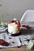 A redcurrant and elderflower cake