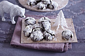 Chocolate snowcaps (Christmas biscuits, USA)