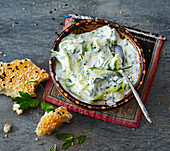Mast-Kadu – youghurt with courgettes and herbs (Persia)