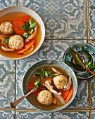 Matzot-Kneidlach – Israeli matzen dumpling soup