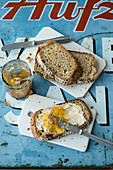 Carrot and oatmeal bread with orange marmalade