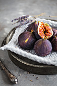 Fresh figs on a pot holder