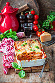 Lasagna with chicken and tomato sauce
