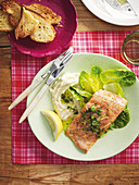 Salmon with fennel skordalia