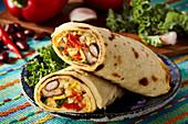 Mexikanischer Pfannkuchen mit Reis-Gemüse-Füllung