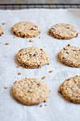 Red fruit and oat cookies
