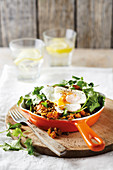 Poached eggs with spicy lentils