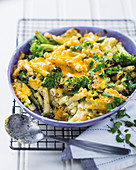 Broccoli and cheddar pasta bake