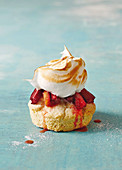Rhubarb shortcake meringues