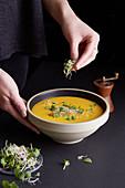Sweet potato curry soup with papaya and shisokresse