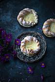 Vegan pudding buns with sugar glaze