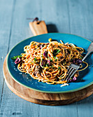 Spaghetti with sardines and olives