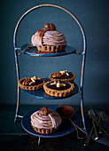 Mini tartlets with chestnuts spaghetti with chocolate cream