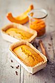 Mini pumpkin cakes in loaf cases