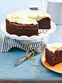 Schokoladen Mud Cake mit weisser Schokoladen-Ganache (glutenfrei)