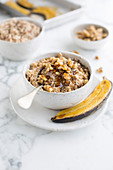Oatmeal with caramelized bananas and maple syrup