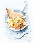 Fried prawns with egg and toast