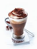 Lumumba (Kakao mit Rum und Schlagsahne)