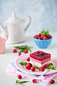 No bake vanilla custard and raspberry cake