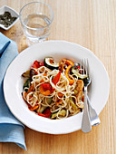 Linguine with pork, peppers and zucchini