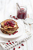 Spinach pancakes with cranberry jam