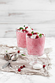 Lingonberry mousse with crushed meringue and fresh lingonberries