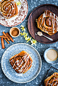 Cinnamon rolls with icing sugar
