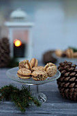 Nougat macaroons with brittle for Christmas